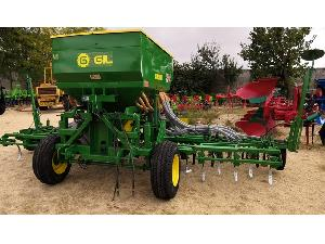 Buy Online Pneumathic seed-drill Gil airsem de 5m con presiembra  second hand