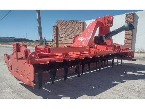 Offers Rotative harrows Kuhn 3 metros con rodillo packer ref.94r69 used