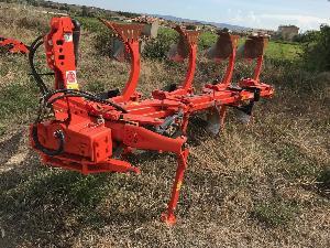 Sales Drawn Ploughs Kverneland arado Used