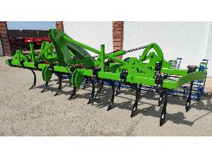 Buy Online Semi Chisel plow Magrican 17 brazos con rodillo  second hand