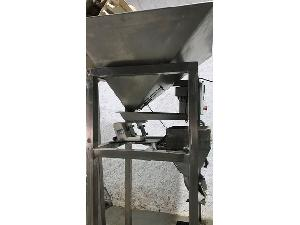 Sales Varios Tarnos envasadora vertical para frutos secos Used