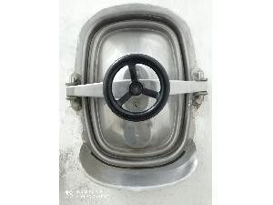 Venta de Depósitos de almacenaje Desconocida ventana ovalada boca de hombre de acero inoxidable usados