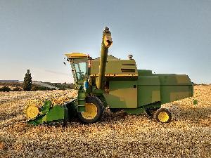 Comprar online Cosechadoras de cereales John Deere 965 de segunda mano