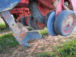 Comprar online Sembradoras monograno neumática Rau sembradora de girasol y maiz   de 5 filas de segunda mano