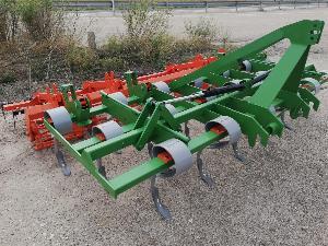 Verkauf von Federzinkengrubber Desconocida preparador 19 brazos + rodillo + rastra gebrauchten Landmaschinen