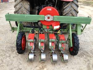 Verkauf von Einzelkornsämaschinen Nodet minigrano gebrauchten Landmaschinen