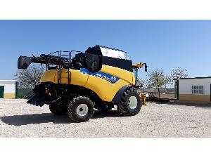 Offres Récolte de fourrage New Holland cr8070 d'occasion