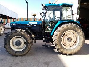 Venta de Trattori New Holland tractor  8340 usados