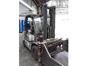 Venta de Carrelli elevatori Nissan carretilla elevadora diesel 3.0 tm usados