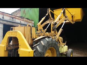 Comprar online Trattori d´epoca Ebro tractor antiguo  super 55 con pala de segunda mano