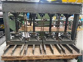 Maquinaria para madera Prensa carpinteria de madera.  Desconocida