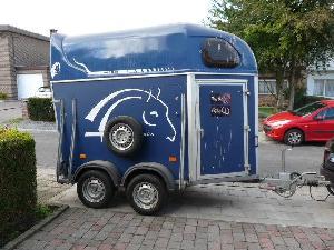 Ofertas Reboques para Transporte de Animais Cheval liberte 1.5 caballos De Segunda Mão