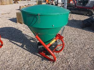 Offers Trailed Fertilizers Pronar fd1-m05 used