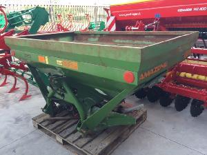 Offers Mounted Fertiliser Spreader Amazone zam-especial used