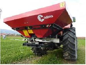 Buy Online Mounted Fertiliser Spreader Cosmo   second hand