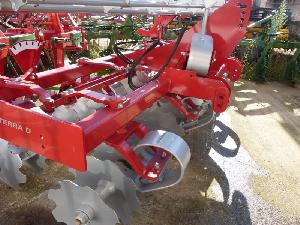Sales Disc harrows Kongskilde grada de disco rápida 3 metros terra-d Used