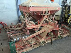 Offers Combine Drill Kverneland  used