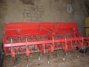 Offers Precision Seeder URBON 15 rejas used