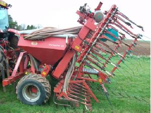 Offers Till Seed Drill Kverneland dv6 used