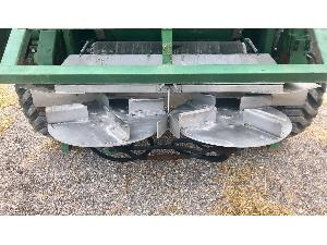 Buy Online Trailed Fertilizers Agrinox abonadora  mz 9000  second hand