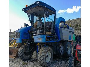 Buy Online Grape harvesting machine New Holland vendimiadora  vl660  second hand