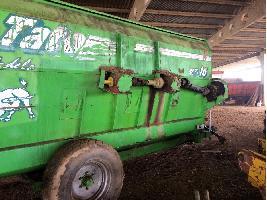 Mezcladores horizontales Carro mezclador Unifeed 16 metros cúbicos Tatoma