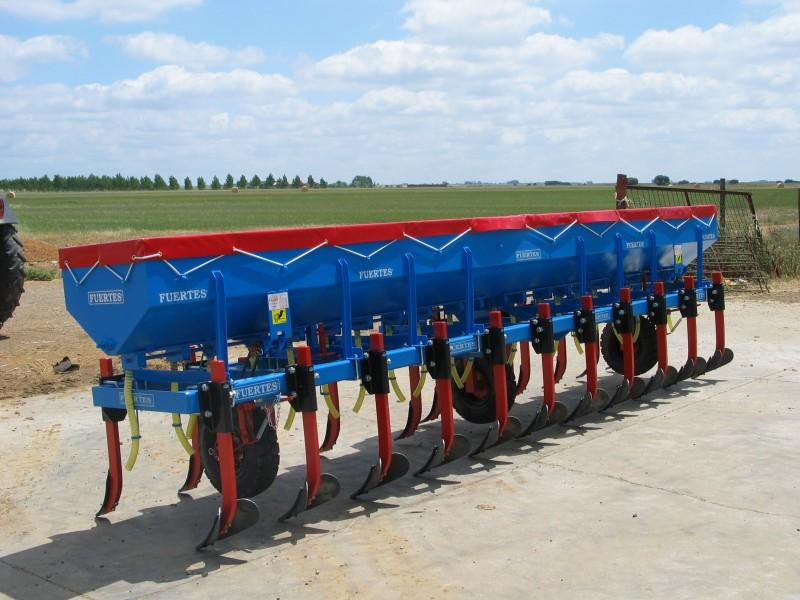Localizer Fertiliser Spreader  FUERTES FCD