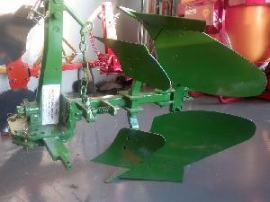 Comprar online Arados de Vertedera RUIZ GARCIA J&J monosurco reversible 14 a 25 cv de segunda mano
