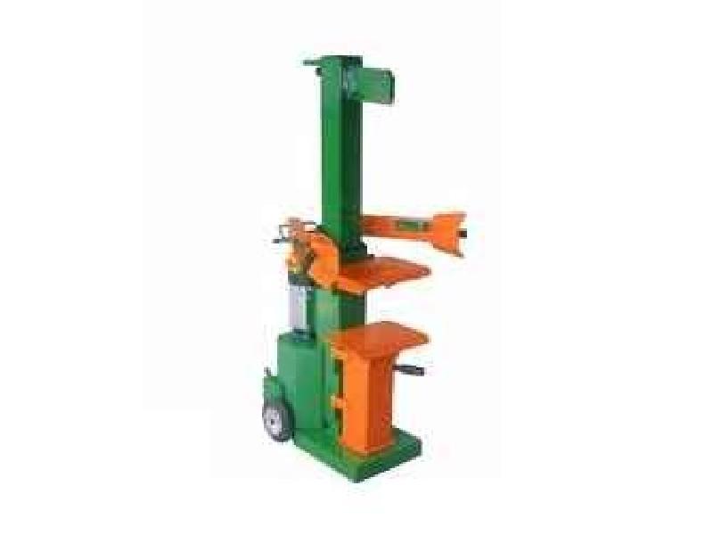 Holz hacken AGROMATIK  ABT010