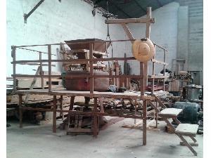 Comprar online Otros ALBERTO AHLES molino de cereal de piedras de segunda mano