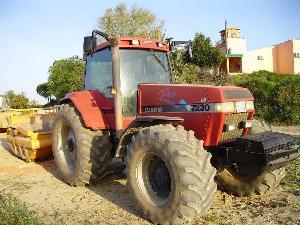 Venta de Tractores agrícolas Case IH magnun pro 7230 con trailla usados