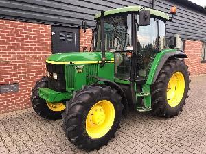 Traktoren John Deere  6110 SE