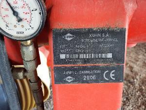 Mäher und Aufbereiter Kuhn FC 243R LIFT CONTROL