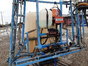 Comprar online Pulverizadores multeyme pulverizador  1200 l 12 m de segunda mano
