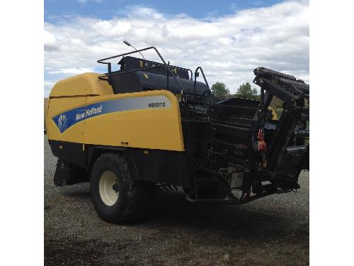 Large balers New Holland BB9070