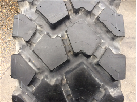 Neumáticos Agrícolas 335/80R20 Michelin XZL 141K (12,5R20) TL USED AA  MICHELIN