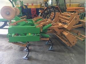 Verkauf von Cultichissel Solano Horizonte cultichissel  modelo ch-15-ph + rastrilla de 2 filas gebrauchten Landmaschinen