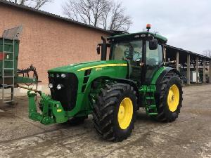 Verkauf von Traktoren John Deere 8320r powr shift gebrauchten Landmaschinen