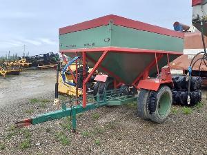 Verkauf von Gezogene Fertilizer laspalas abonadora pendular  a-7000 gebrauchten Landmaschinen