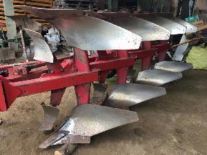 Verkauf von Gezeichnet Pflüge NAUD arado cuatrisurco  muelles gebrauchten Landmaschinen