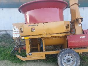 Acheter en ligne Hacheuses de paille HAYBUSTER picadora de paja y grano h800  con ventilador v0100073 / h81700090  d'occasion