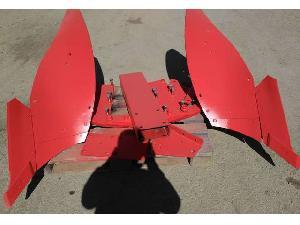 Venta de Ricambi di Macchine Agricole  Kverneland cuerpo vertedera ld85 usados