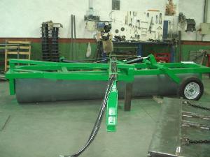 Venta de Attrezzi per rullatura Sconosciuta rulos hidraulicos y desbrozadora usados