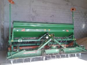 Venta de Seminatrici di minima lavorazione Amazone sembradora ad 403 + grada kg 403 usados
