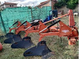 Arados de Vertedera ARADO 4 CUERPOS SUSPENDIDO Kuhn