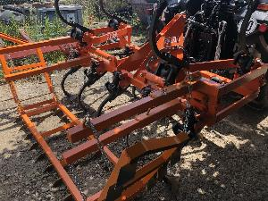 Venta de Cultichissel Noli cultivador 13 brazos hidráulicos usados
