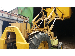 Offerte Trattori d´epoca Ebro tractor antiguo  super 55 con pala usato
