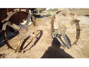 Venda de Aporcadores de alho-poró Desconhecida ruedas usados