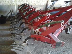 Venda de Arado de aiveca e grade LARROSA 9 rejas usados