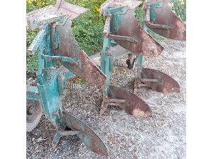 Venda de Arado de aiveca e grade Barber arado trisurco  de formón usados